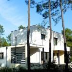 Maison contemporaine avec auvent ouverte sur la nature sur le Golf de La Palmyre (17)