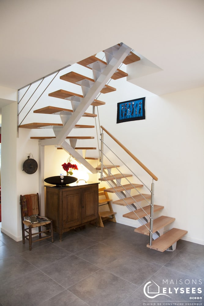 Maison Moderne cubique escalier La Palmyre 17 120m2 1
