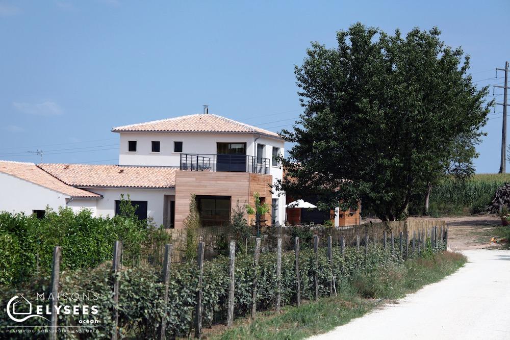 Maison en bois avec toit plat à Saintes (17) 3 (1)