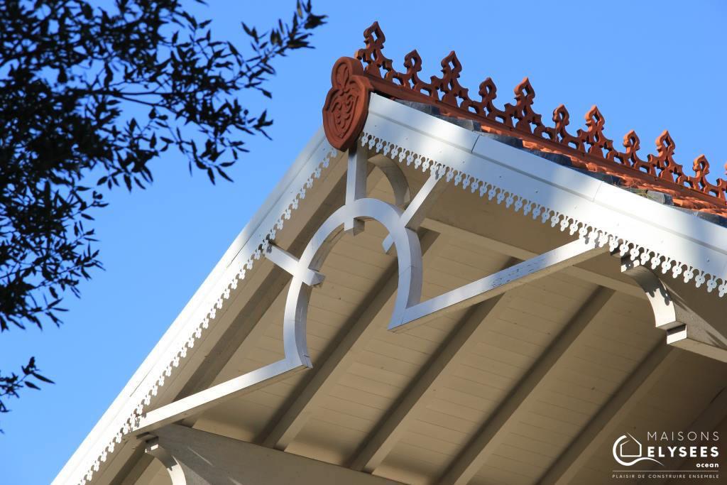 Détail de toiture d'une maison de style balnéaire construite sur Saint Palais sur mer 17