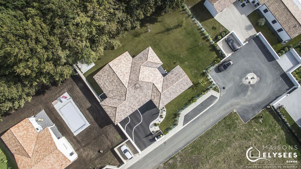 maison traditionnelle  en U vue du ciel 4 (2)