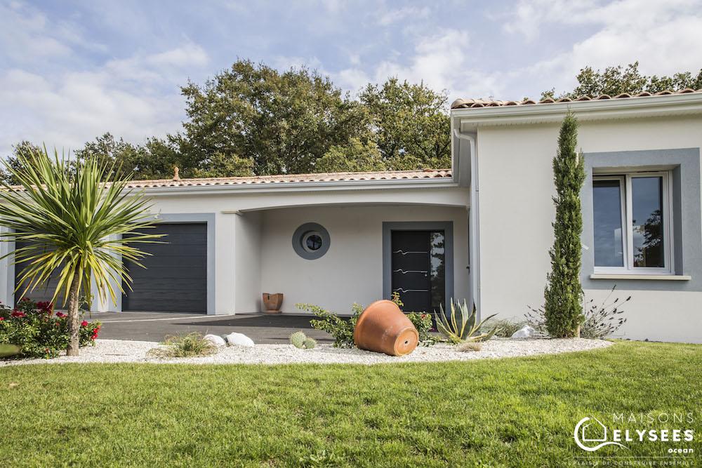 Maison traditionnelle en U de plain pied construite en Charente Maritime (17)