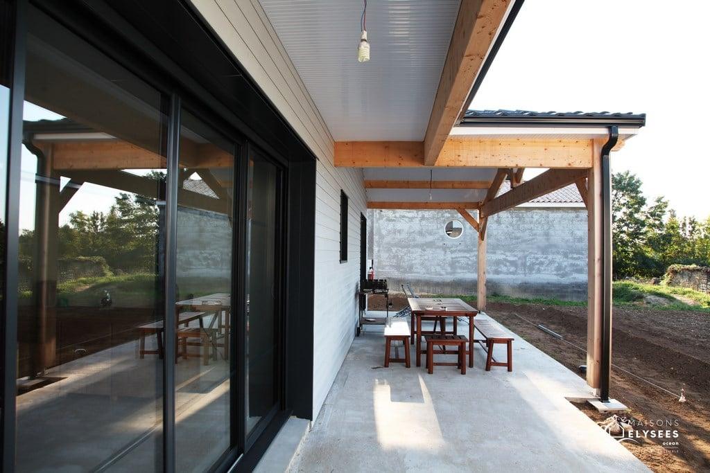 Trés belle maison bois de plain pied - construction Elysees ...