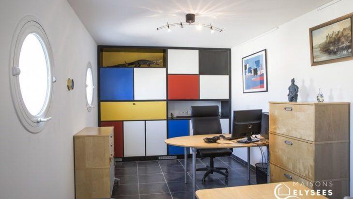 Bureau dans maison contemporaine en Charente Maritime 17