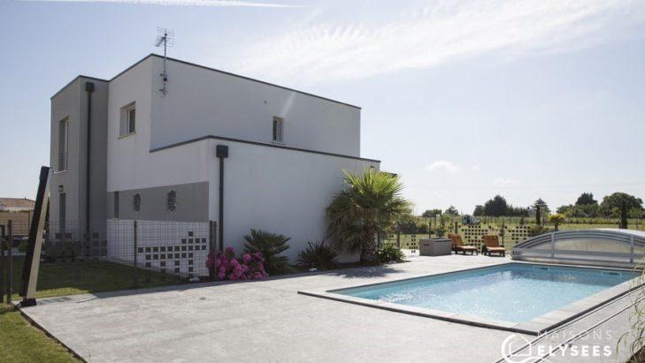 Maison contemporaine avec piscine sur Chaillevette 17