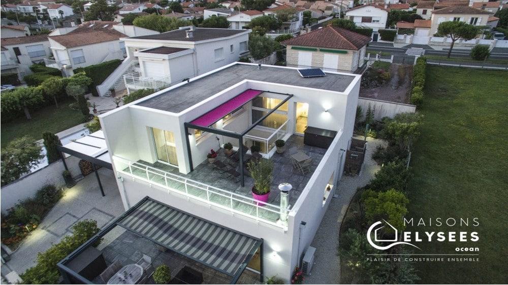 Maison contemporaine ouverte sur l\'océan