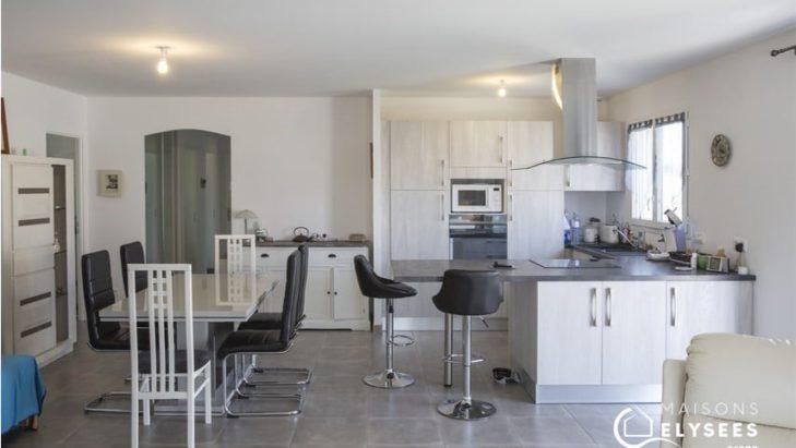 Séjour cuisine maison 90m² Médis Charente Maritime