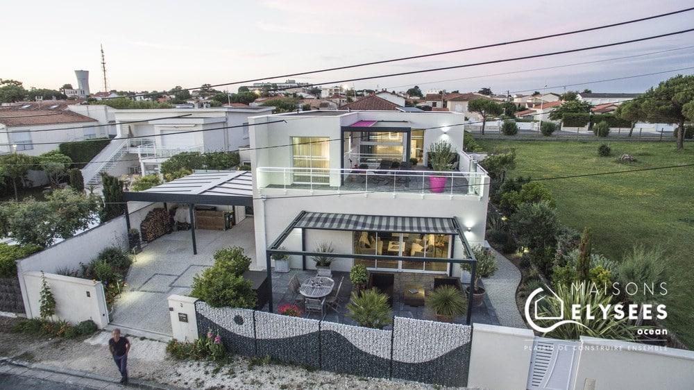 Maison contemporaine de bord de mer sur Vaux sur mer 17